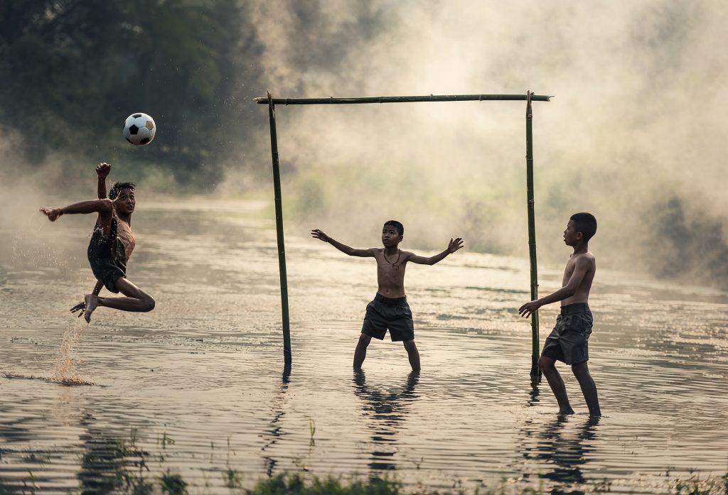 spielende Flüchtlingskinder